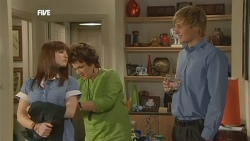 Summer Hoyland, Lyn Scully, Andrew Robinson in Neighbours Episode 5879