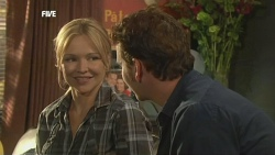 Steph Scully, Lucas Fitzgerald in Neighbours Episode 5879