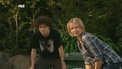 Harry Ramsay, Steph Scully in Neighbours Episode 5880