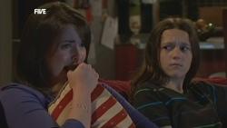 Kate Ramsay, Sophie Ramsay in Neighbours Episode 5880