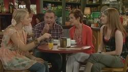 Donna Freedman, Karl Kennedy, Susan Kennedy, Mia Zannis in Neighbours Episode 5881