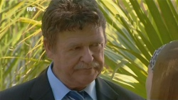 Alec Skinner in Neighbours Episode 5881