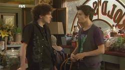 Harry Ramsay, Zeke Kinski in Neighbours Episode 5881