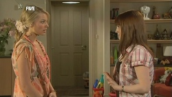 Donna Freedman, Summer Hoyland in Neighbours Episode 5881