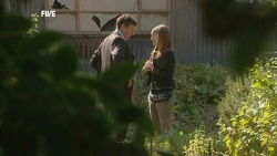 Alec Skinner, Mia Zannis in Neighbours Episode 5881