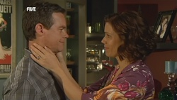 Paul Robinson, Rebecca Napier in Neighbours Episode 5881
