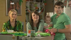 Donna Freedman, Kate Ramsay, India Napier, Declan Napier in Neighbours Episode 5883