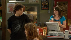 Harry Ramsay, Kate Ramsay in Neighbours Episode 5884