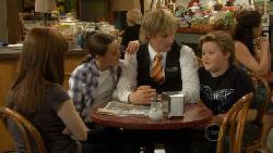 Summer Hoyland, Sophie Ramsay, Andrew Robinson, Callum Jones in Neighbours Episode 5884