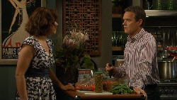Rebecca Napier, Paul Robinson in Neighbours Episode 5885