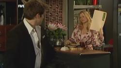 Declan Napier, Donna Freedman in Neighbours Episode 5886