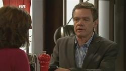 Rebecca Napier, Paul Robinson in Neighbours Episode 5886