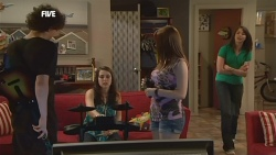 Harry Ramsay, Renee Righetti, Summer Hoyland, Kate Ramsay in Neighbours Episode 5886