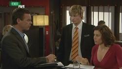 Paul Robinson, Andrew Robinson, Rebecca Napier in Neighbours Episode 5886