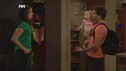 Kate Ramsay, India Napier, Declan Napier in Neighbours Episode 5886