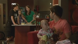 Harry Ramsay, Sophie Ramsay, Kate Ramsay, India Napier, Declan Napier in Neighbours Episode 5887