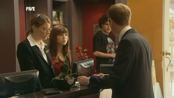 Lisa Devine, Summer Hoyland, Harry Ramsay, Martin Franks in Neighbours Episode 5887