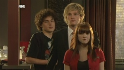 Harry Ramsay, Andrew Robinson, Summer Hoyland in Neighbours Episode 5887