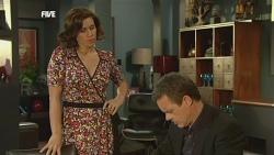 Rebecca Napier, Paul Robinson in Neighbours Episode 5888