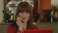 Summer Hoyland in Neighbours Episode 5888