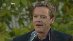 Paul Robinson in Neighbours Episode 5888