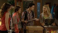 Libby Kennedy, Susan Kennedy, Zeke Kinski, Donna Freedman in Neighbours Episode 5889