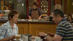 Susan Kennedy, Lyn Scully, Karl Kennedy in Neighbours Episode 5890