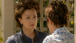 Lyn Scully, Susan Kennedy in Neighbours Episode 5890