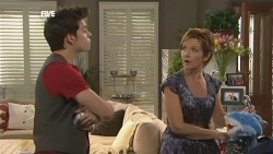 Zeke Kinski, Susan Kennedy in Neighbours Episode 5892
