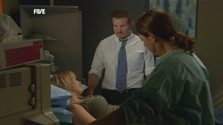 Steph Scully, Toadie Rebecchi, Nurse in Neighbours Episode 5892