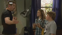 Toadie Rebecchi, Sophie Ramsay, Callum Jones in Neighbours Episode 5893