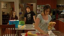Sophie Ramsay, Harry Ramsay, Kate Ramsay in Neighbours Episode 5894