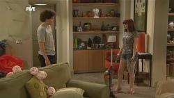 Harry Ramsay, Summer Hoyland in Neighbours Episode 5897