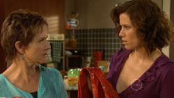 Susan Kennedy, Rebecca Napier in Neighbours Episode 5899
