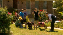 Ben Kirk, Callum Jones, Sophie Ramsay, Lucas Fitzgerald, Libby Kennedy, JD Maguire, Toadie Rebecchi in Neighbours Episode 5899