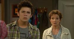 Zeke Kinski, Susan Kennedy in Neighbours Episode 5900