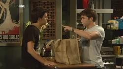 Zeke Kinski, Declan Napier in Neighbours Episode 5901