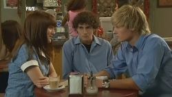 Summer Hoyland, Harry Ramsay, Andrew Robinson in Neighbours Episode 5902