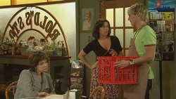 Lyn Scully, Rebecca Napier, Andrew Robinson in Neighbours Episode 5902