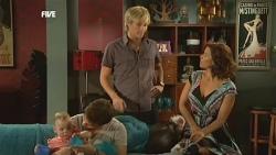 India Napier, Declan Napier, Andrew Robinson, Rebecca Napier in Neighbours Episode 5903