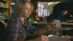 Steph Scully, Lucas Fitzgerald in Neighbours Episode 5903