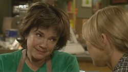 Lyn Scully, Steph Scully in Neighbours Episode 5903