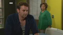 Lucas Fitzgerald, Lyn Scully in Neighbours Episode 5904