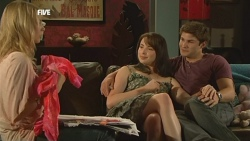 Donna Freedman, Kate Ramsay, Declan Napier in Neighbours Episode 5905