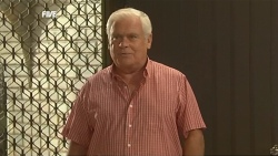 Lou Carpenter in Neighbours Episode 5905
