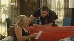 Steph Scully, Toadie Rebecchi in Neighbours Episode 5905