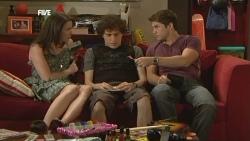 Kate Ramsay, Harry Ramsay, Declan Napier in Neighbours Episode 5905