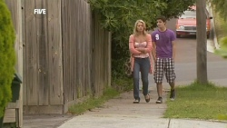 Donna Freedman, Zeke Kinski in Neighbours Episode 5906