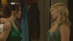 Libby Kennedy, Steph Scully in Neighbours Episode 5906