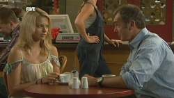 Donna Freedman, Steph Scully, Karl Kennedy in Neighbours Episode 5907
